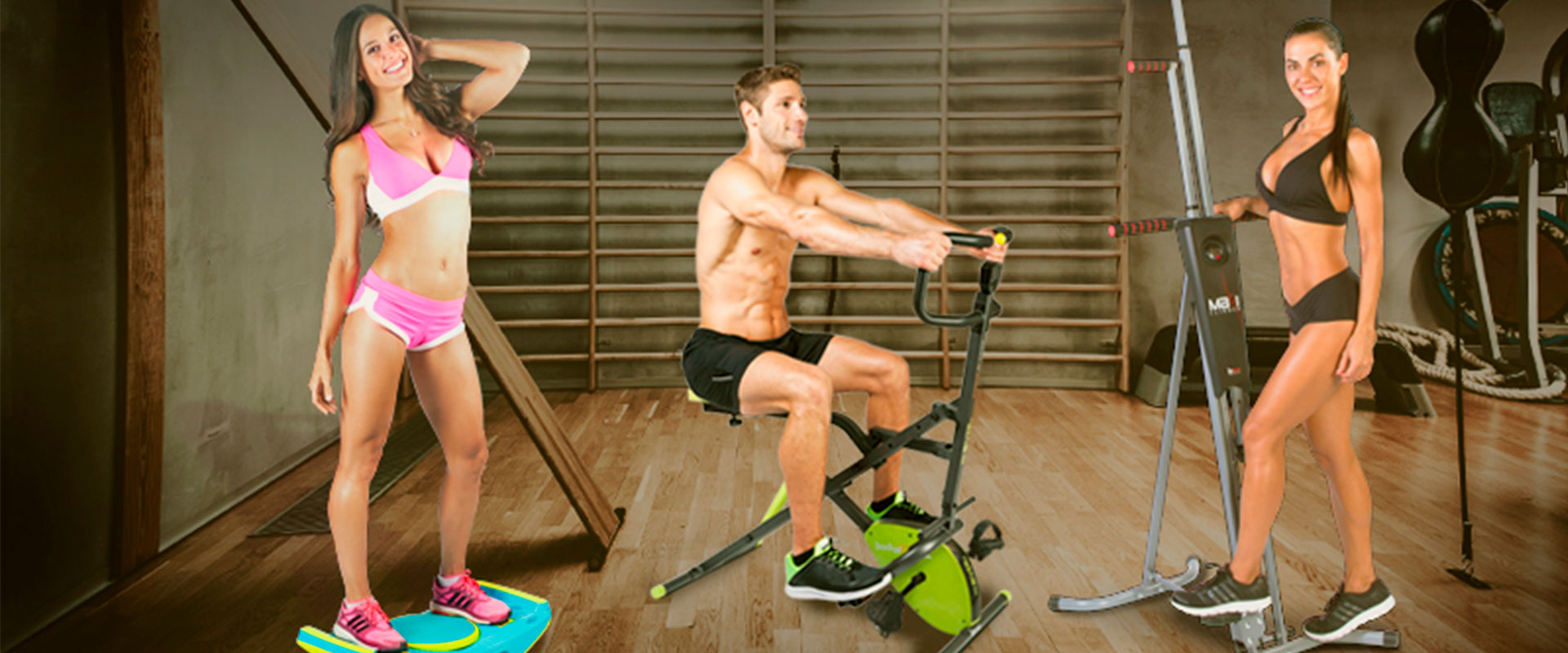 Personas utilizando el Gravity ABS, Body Crunch Evolution y MaxiClimber.