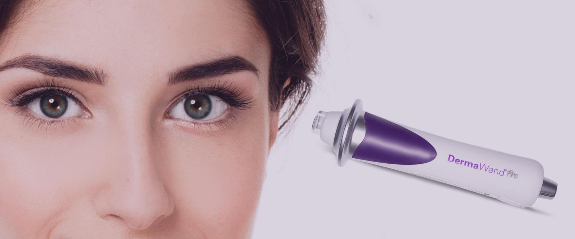 Rutina de belleza contorno de ojos con DermaWand® Pro